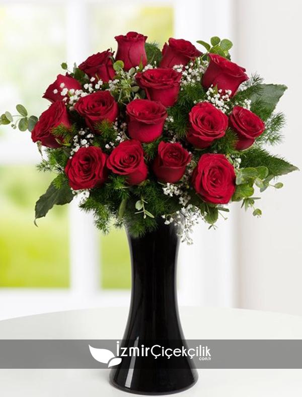 15 Adet Kırmızı Güller