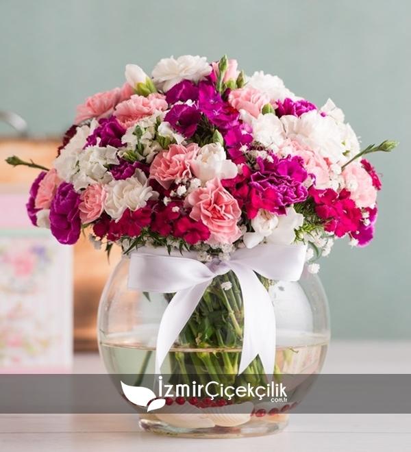 Fanusta Mevsim Çiçekleri